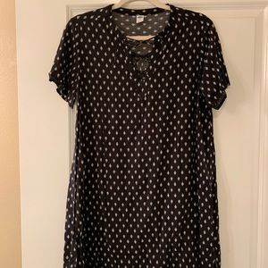 Shortsleeve Old Navy Dress with Criss Cross Neck